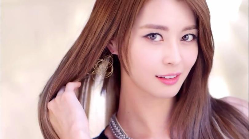 Kwon_Nara_Member_Hello_Venus_Favourite_Admin